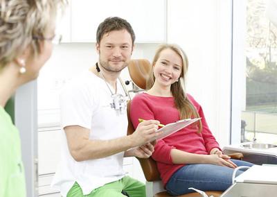 Dr. med. dent. Stephan Klotz, Fachzahnarzt für Oralchirurgie in Göttingen