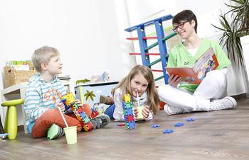 Zahnarzt angenehmes Wartezimmer auch für Kinder