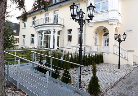 Rollstuhlrampe, ZIZ Göttingen behindertengerecht