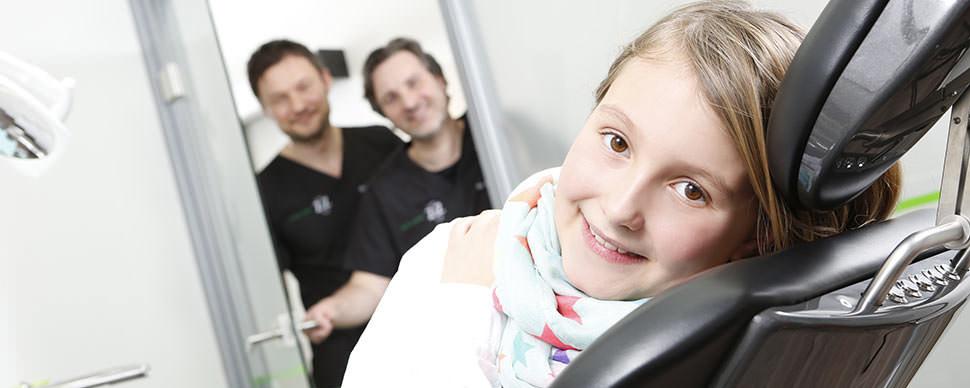Wir sind zertifizierte Zahnärzte für Zahnreinigung